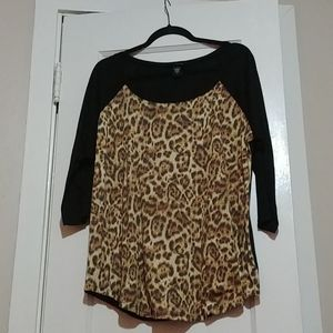 black and leopard tee